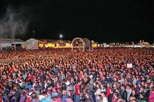 Público presente na festa de 134 anos de Campos Novos, em março de 2014.